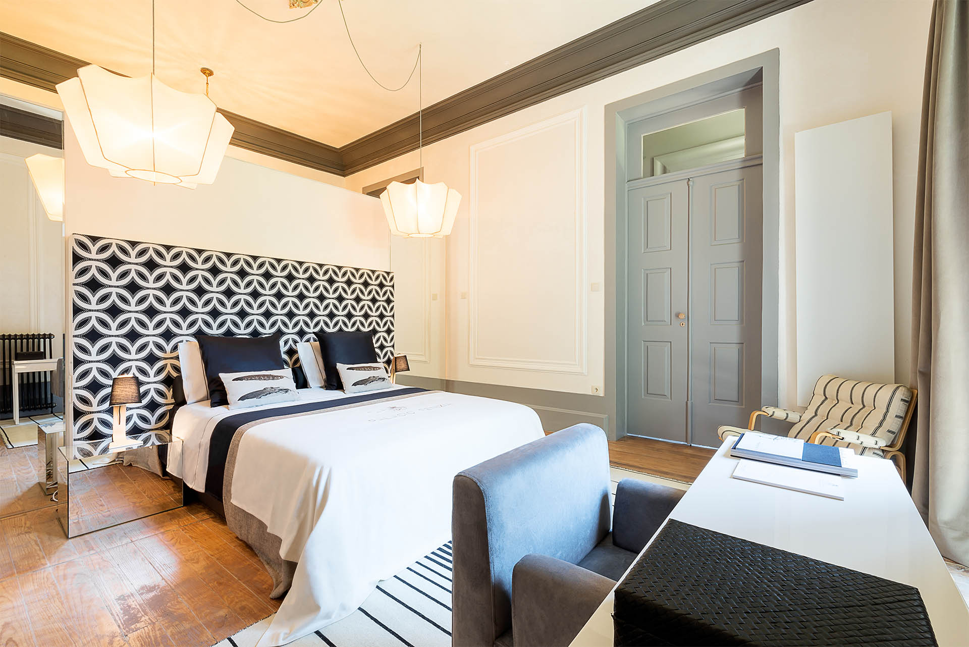 luxury suite palacio fenizia | black suite